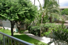 Lanai garden view - Behr's Escape Maui Condo